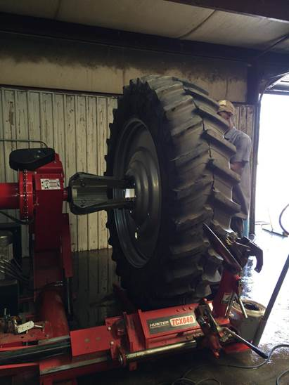 Tires Inc of Clinton Tire changer for Tractor Tires