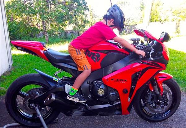 Why Kids and Parents Should Ride Motorcycles