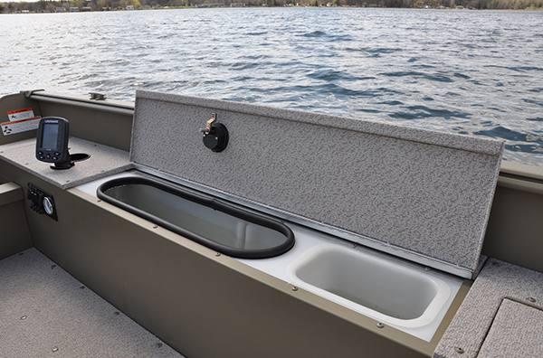 2017 Lund 1800 Alaskan Tiller for sale in St  Johns, MI