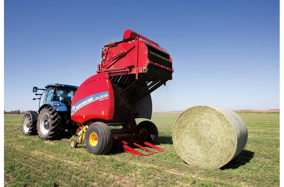 2017 New Holland Agriculture Roll-Belt™ Round Balers Roll-Belt™ 460