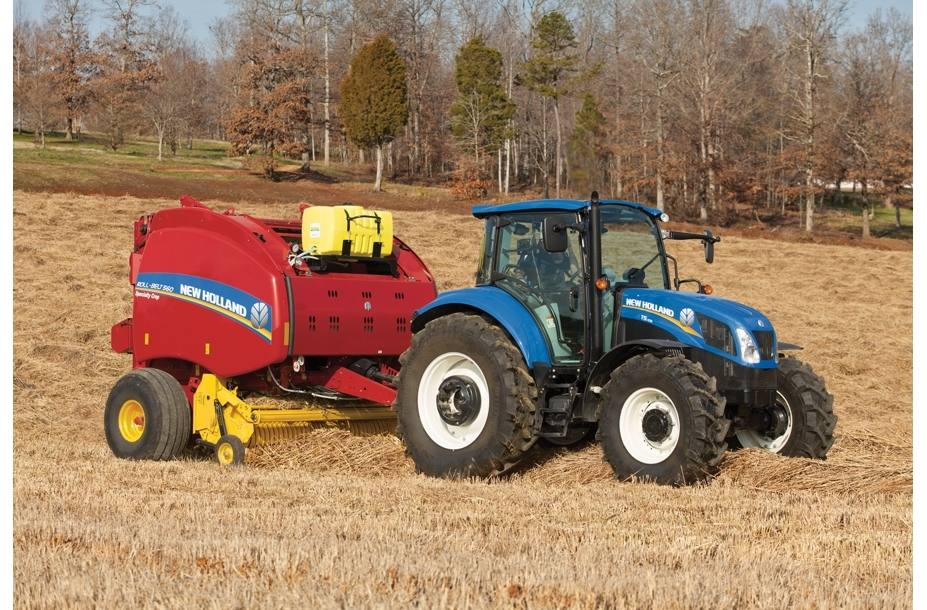 2017 New Holland Agriculture Roll-Belt™ Round Balers Roll