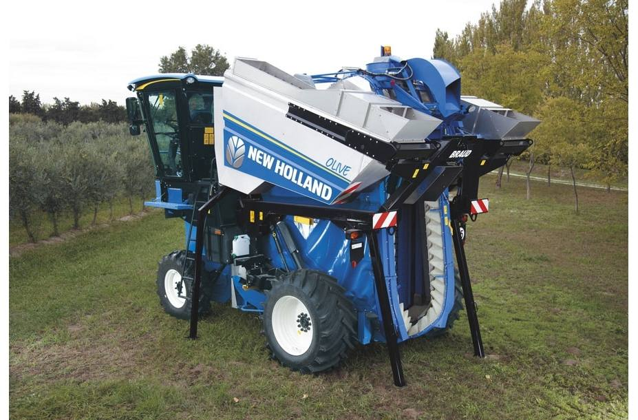 2017 New Holland Agriculture Braud 9090X Olive Harvester