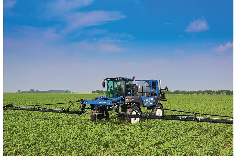 2017 New Holland Agriculture Guardian Front Boom Sprayers SP