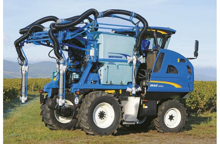 2017 New Holland Agriculture Braud Grape Harvester Braud