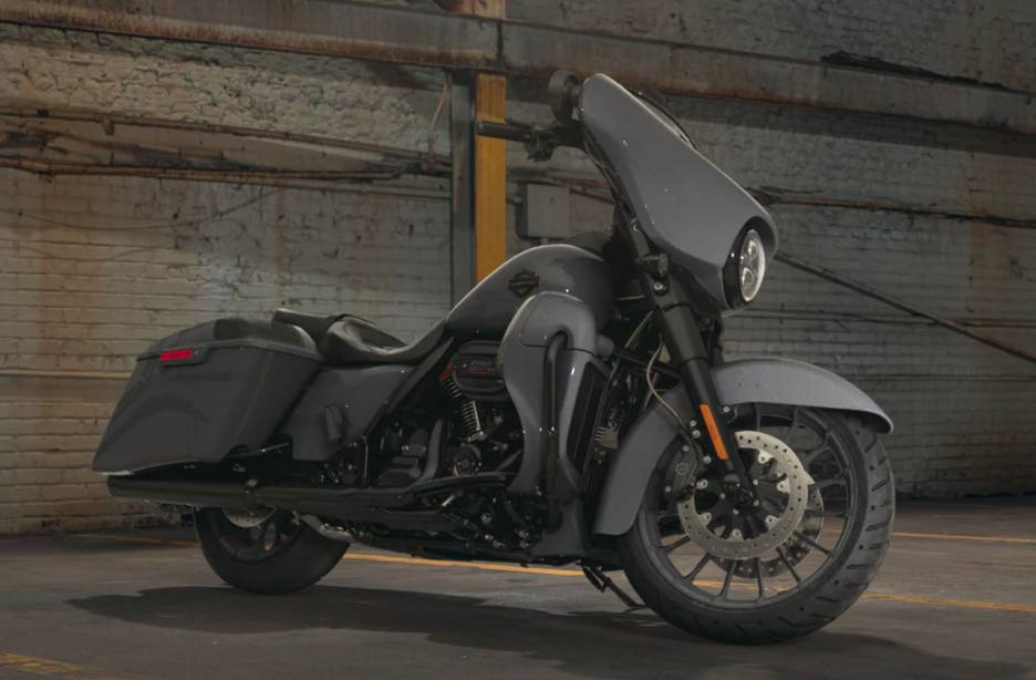 2018 Harley Davidson Cvo Street Glide Custom Color Option