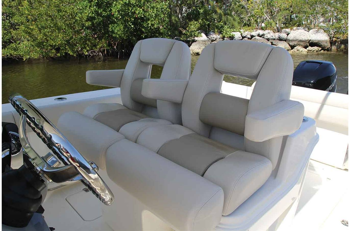 2018 Boston Whaler 280 Outrage For Sale In Spokane Wa Trudeaus Cruiser Yachts Keypad Wiring Diagram Previous