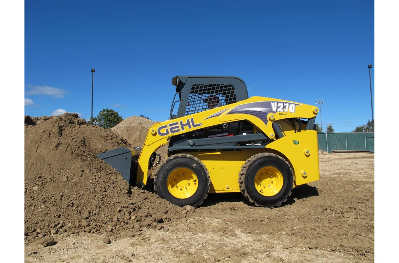 2018 Gehl V270 GEN:2 Vertical-Lift Skid Loader for sale in
