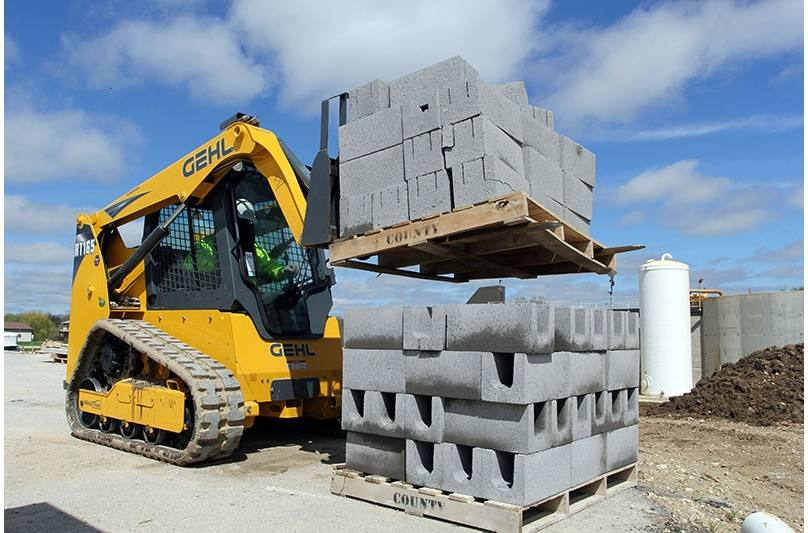 2018 Gehl RT165 Track Loader for sale in Harlan, IA  Nelson
