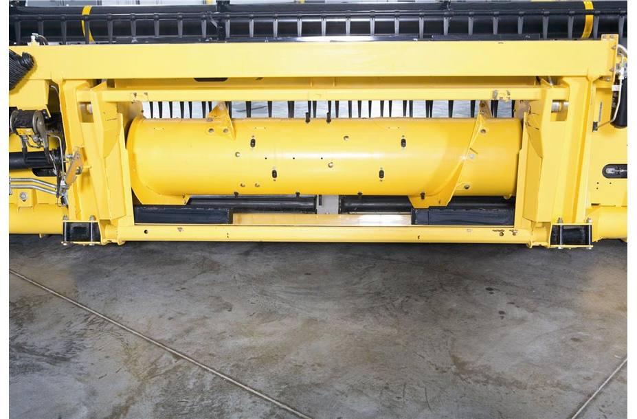 2018 New Holland Agriculture Draper Head 880CF SuperFlex