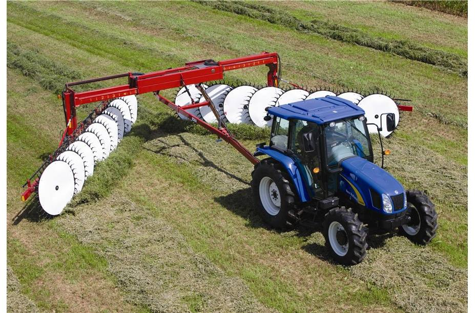 2018 New Holland Agriculture Heavy-Duty Wheel Rakes H5980