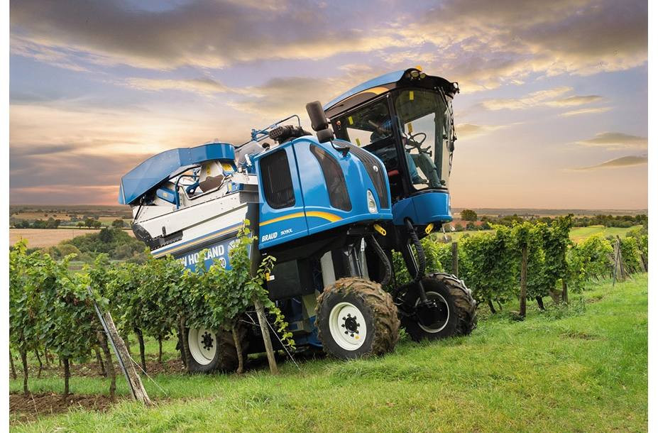 2018 New Holland Agriculture Braud Grape Harvester 9070l For