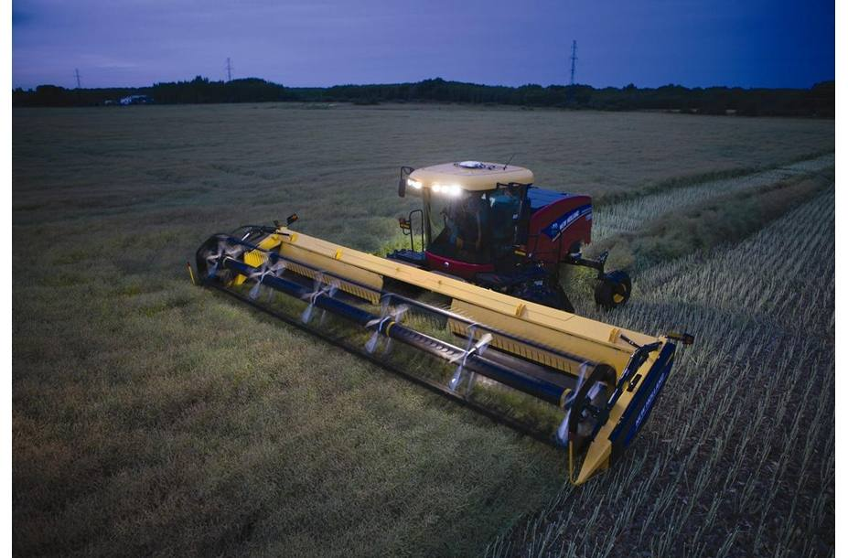 2018 New Holland Agriculture Windrower Header Haybine® 18HS