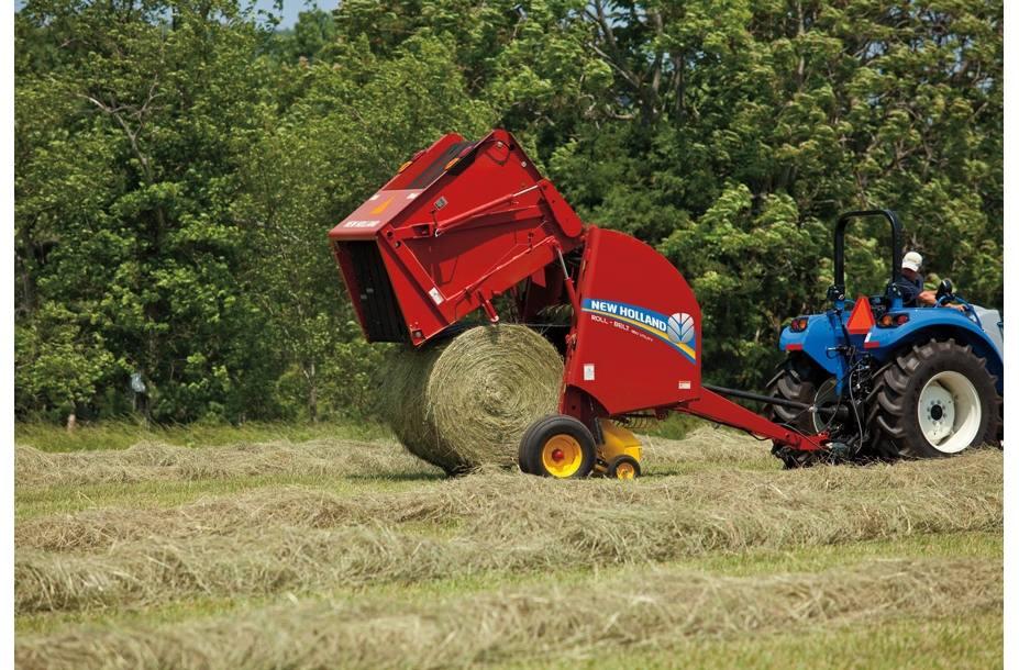 2018 New Holland Agriculture Roll-Belt™ Round Baler Roll