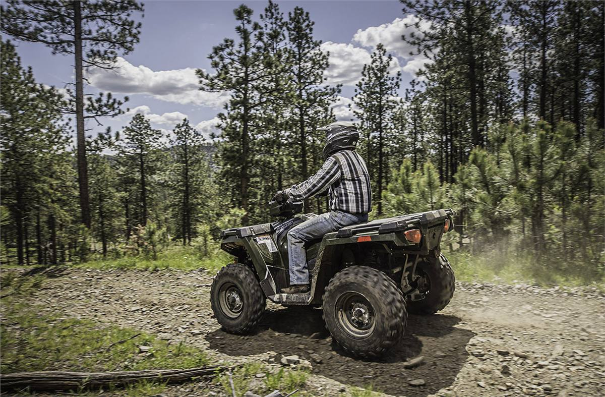 2019 Polaris Industries Sportsman 570 EPS on a trail