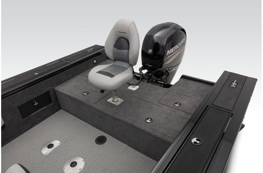 2019 Tracker Targa™ V-18 WT 150XL Red w/Carpet