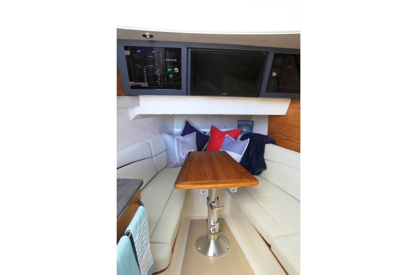 2019 Boston Whaler 380 Realm for sale in Sister Bay, WI  Beacon