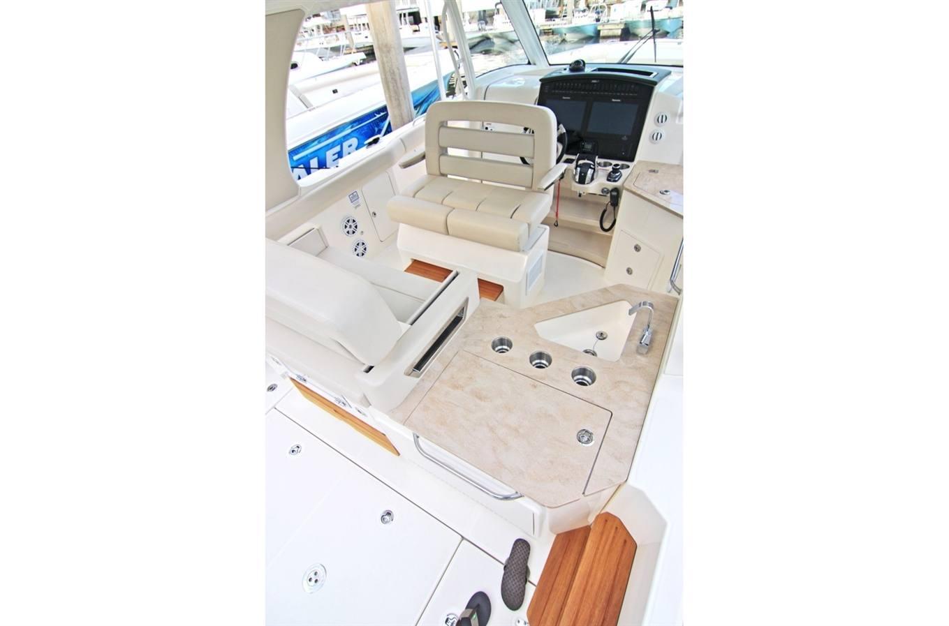2019 Boston Whaler 350 Realm For Sale In Kailua Hi Windward Boats Raymarine Autopilot Wiring Diagram Previous