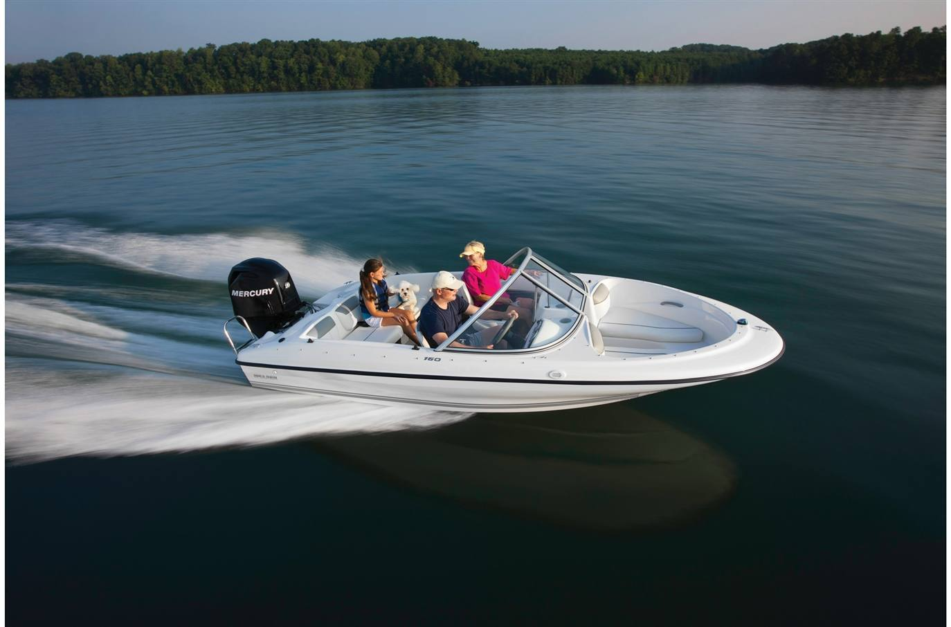 2019 Bayliner 160BR on the water