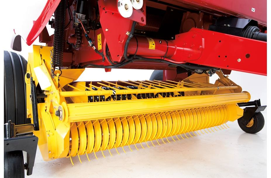 2019 New Holland Agriculture Roll-Belt™ Round Baler Roll-Belt™ 450