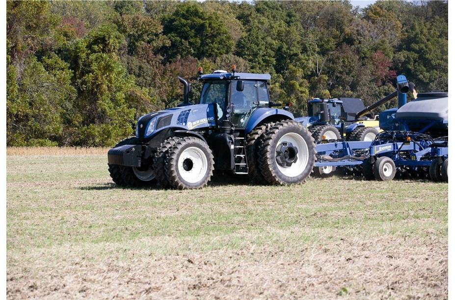 2019 New Holland Agriculture GENESIS® T8 Series - Tier 4B T8 380