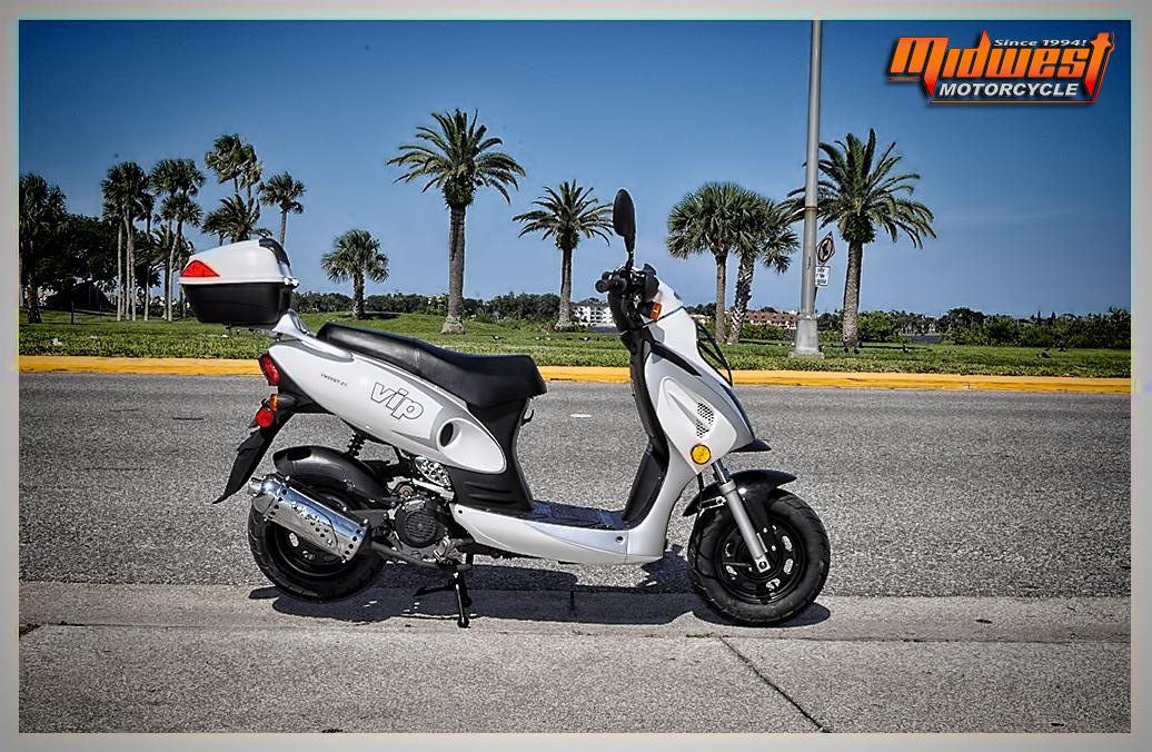 Scooter from ICE BEAR Midwest Motorcycle Daytona Daytona