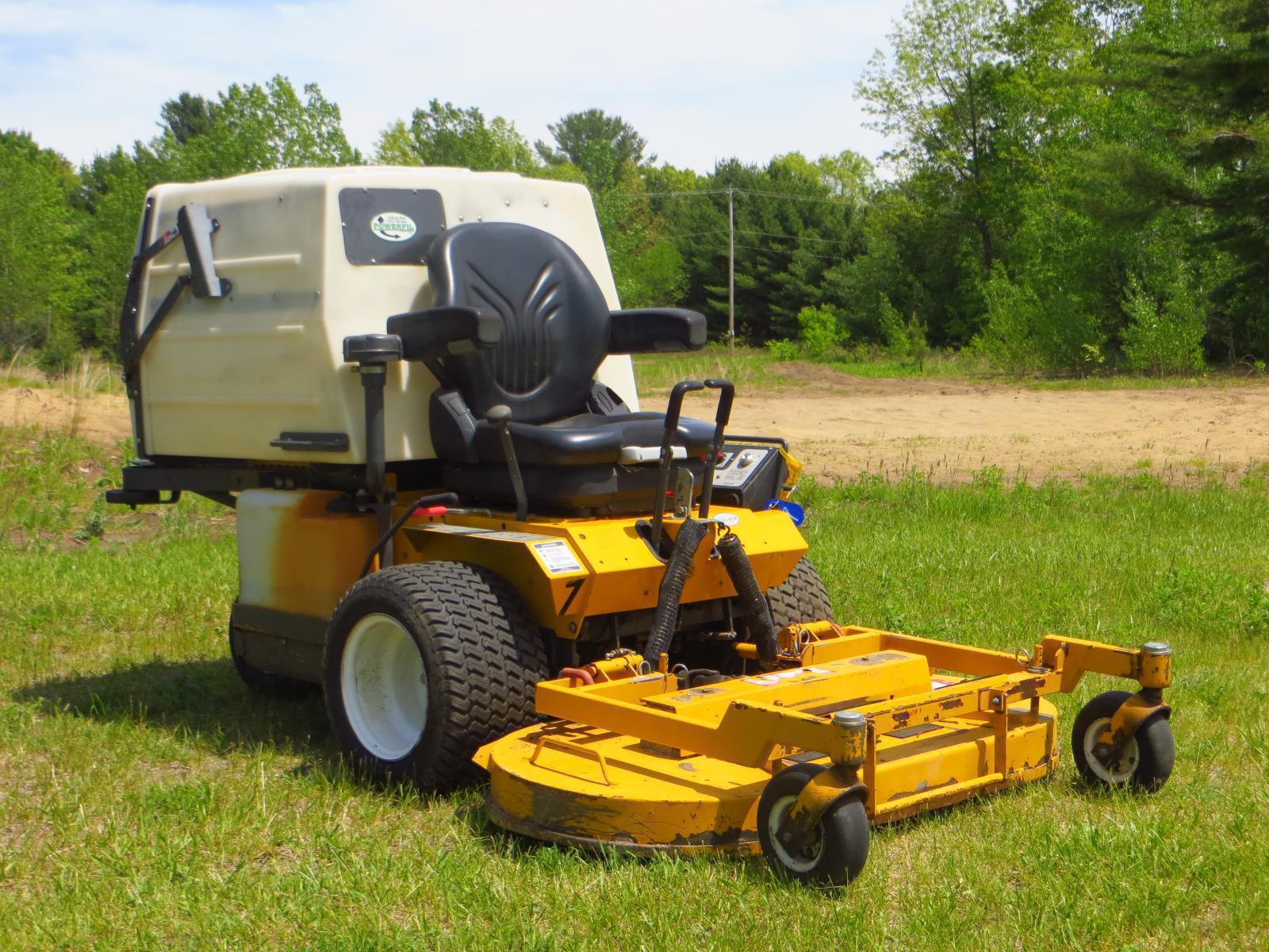 2011 Walker Mowers MDDGHS w/ 48 IN  GHS Grass Handling Deck