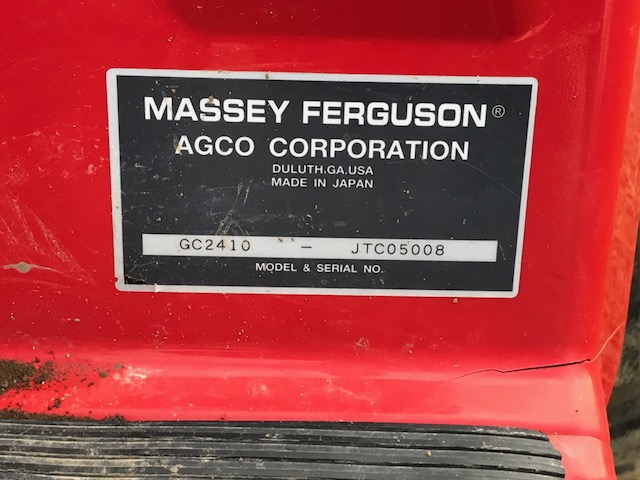 2009 Massey Ferguson GC2410 TLB Sub-Compact Tractor Package