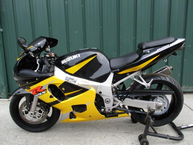 Suzuki Gsxr 600 >> 2002 Suzuki Gsxr 600 Super Nice Low Mileage Bike With Extras Like A Yoshi Exhaust Smoke Windshield And Integrat
