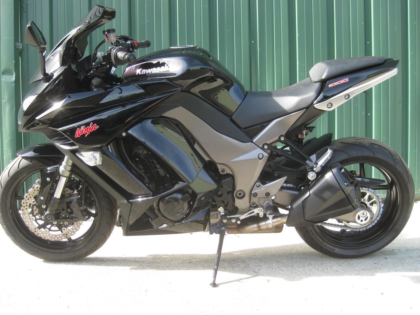 2011 Kawasaki Ninja Zx1000 Black All Stock Except For A Smoke