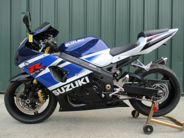 2003 Suzuki GSXR 1000 WITH EXTRAS TURN KEY MUST SEE PRICED TO SELL FAST