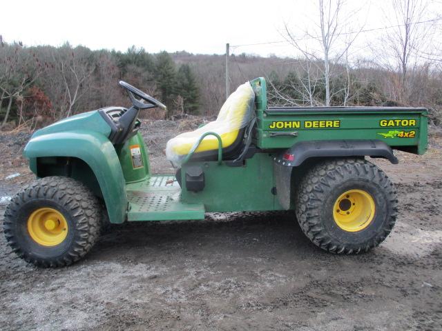 John Deere Gator >> John Deere For Sale John Deere Gator 4x2 With New Seats For Sale In