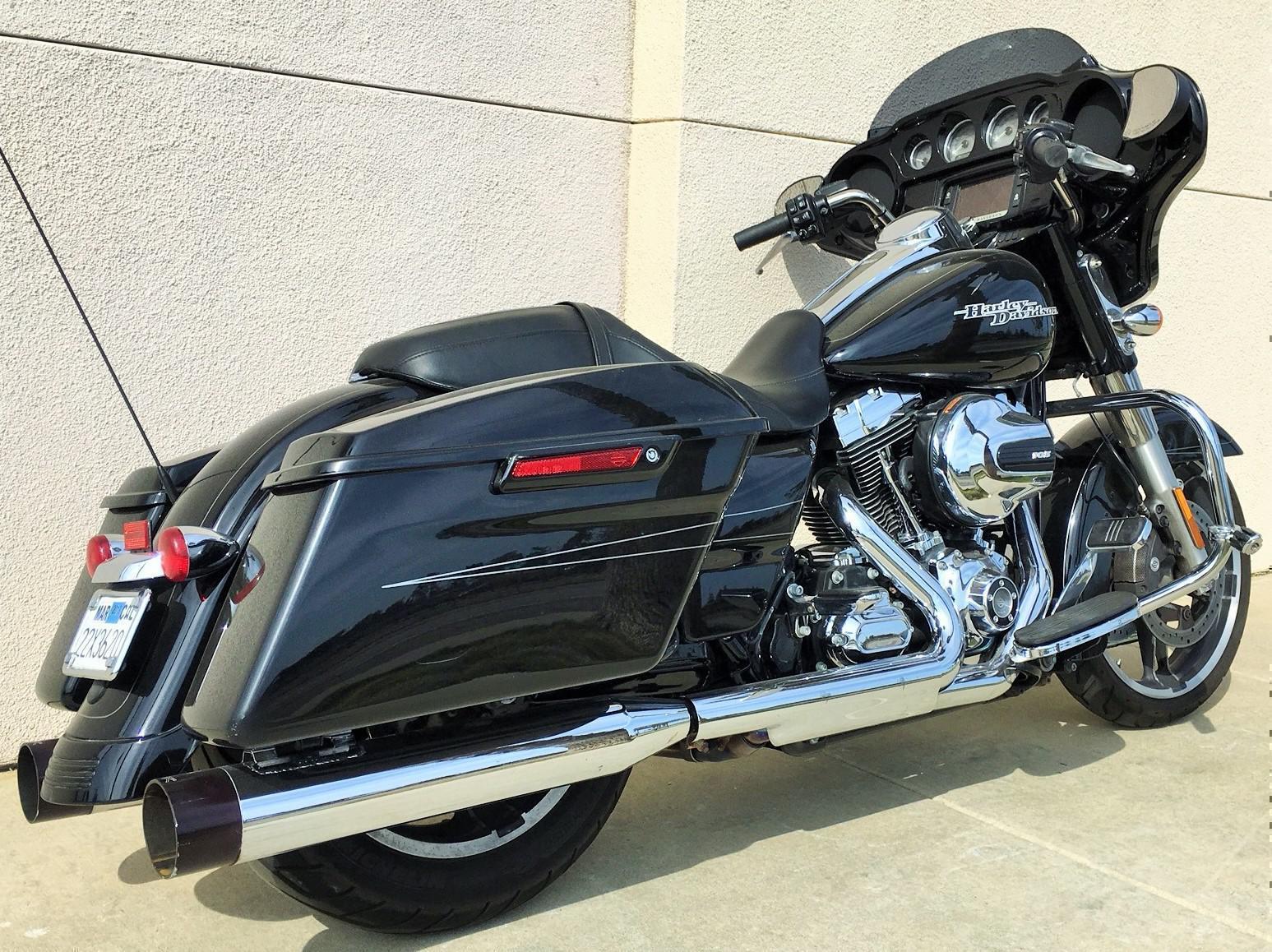 2016 Harley-Davidson® FLHXS - STREET GLIDE Special