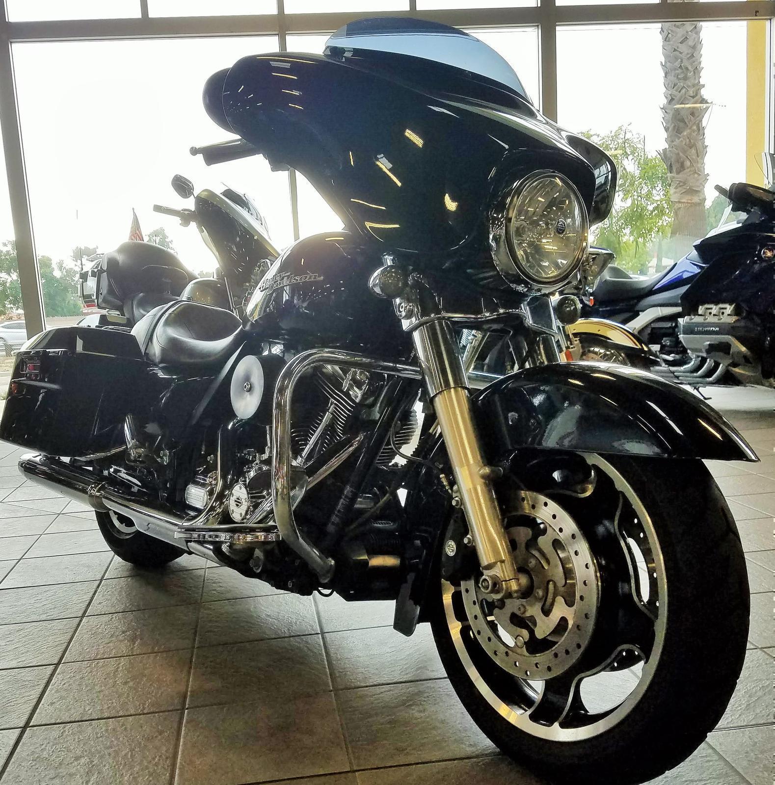 2013 Harley-Davidson® FLHX103 - STREET GLIDE
