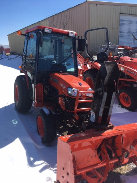 2008 Kubota B3030HSDC Compact Tractor with Cab for sale in