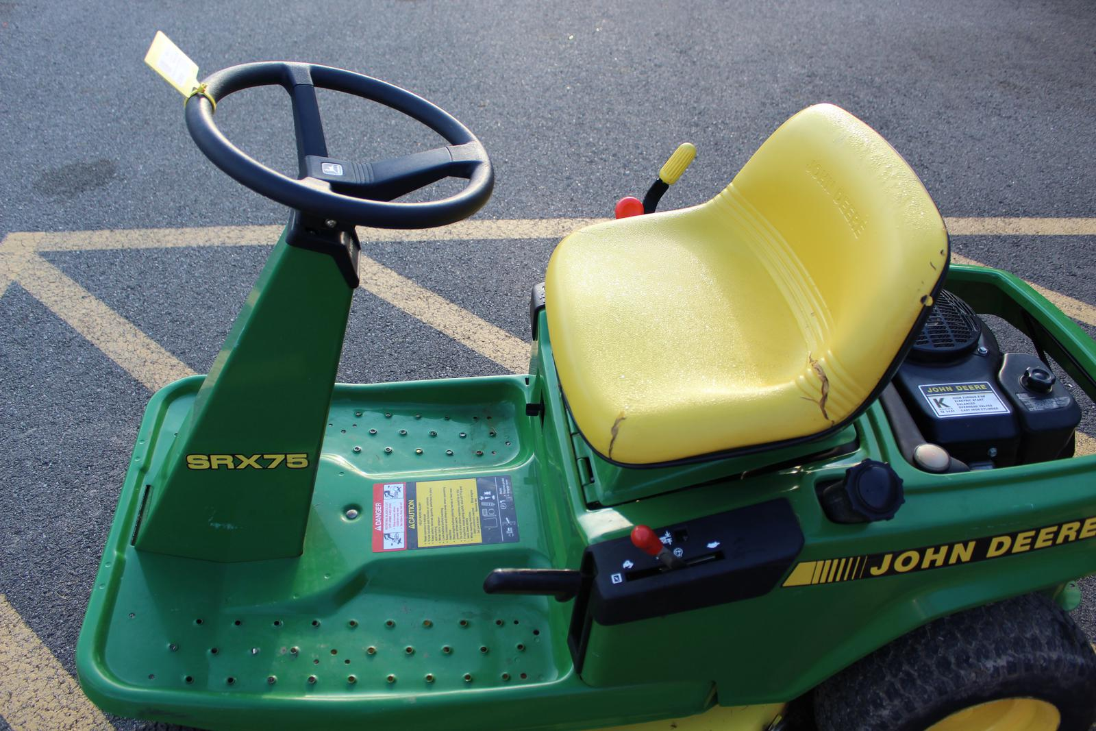 John Deere SRX75 REAR ENGINE RIDING MOWER 30