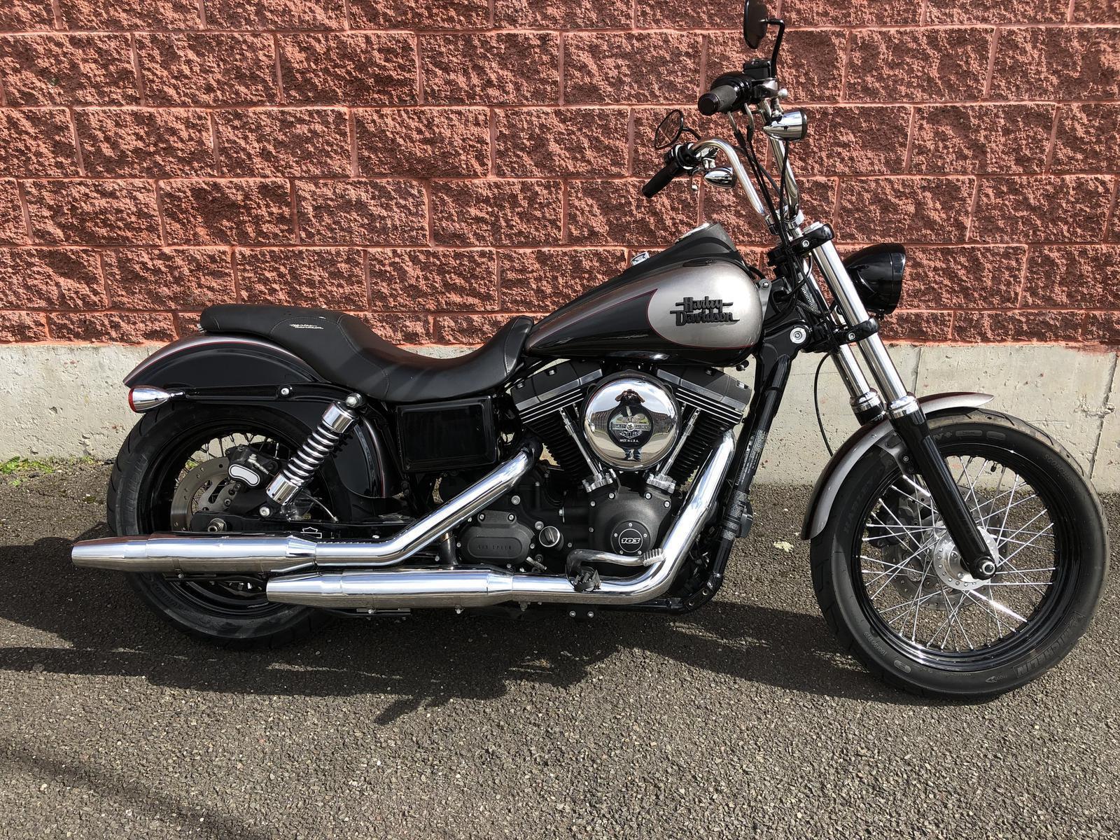 2016 Harley-Davidson® FXDB