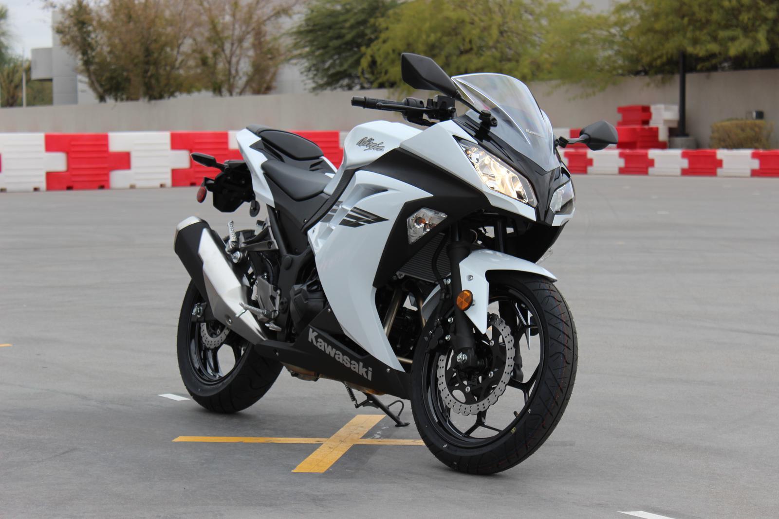 Kawasaki White Ninja Idea Di Immagine Del Motociclo