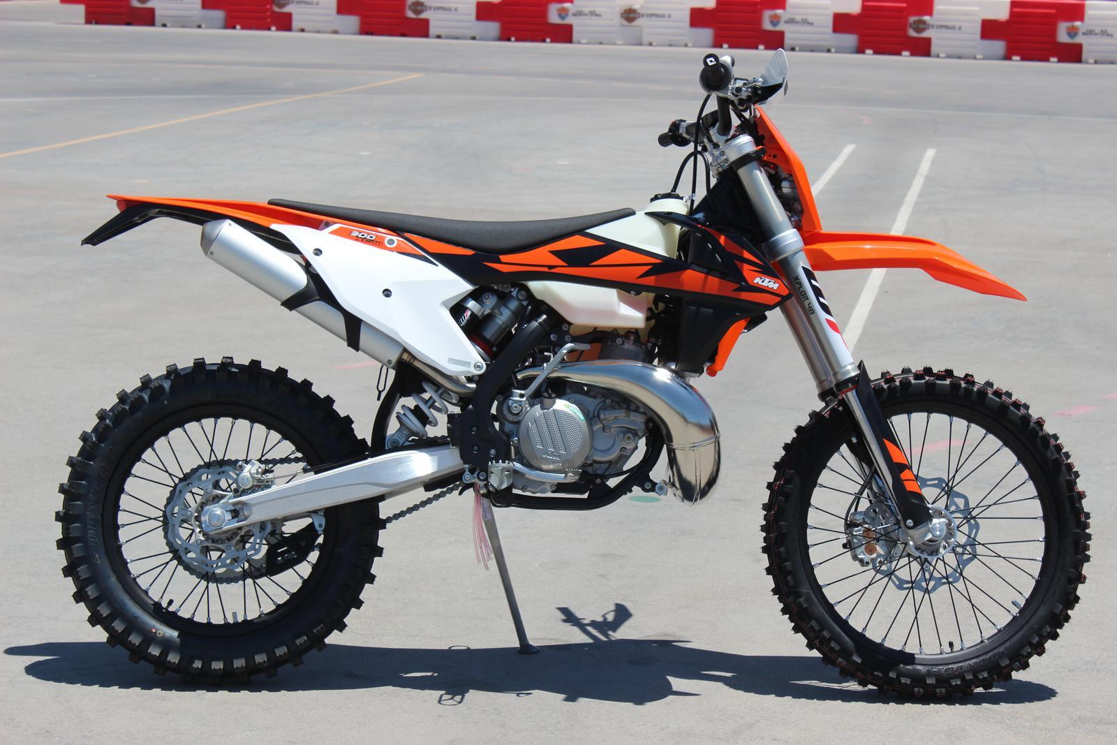 2018 ktm motocross bikes. plain bikes 2018 ktm 300 xcw dirt bikes on ktm motocross bikes