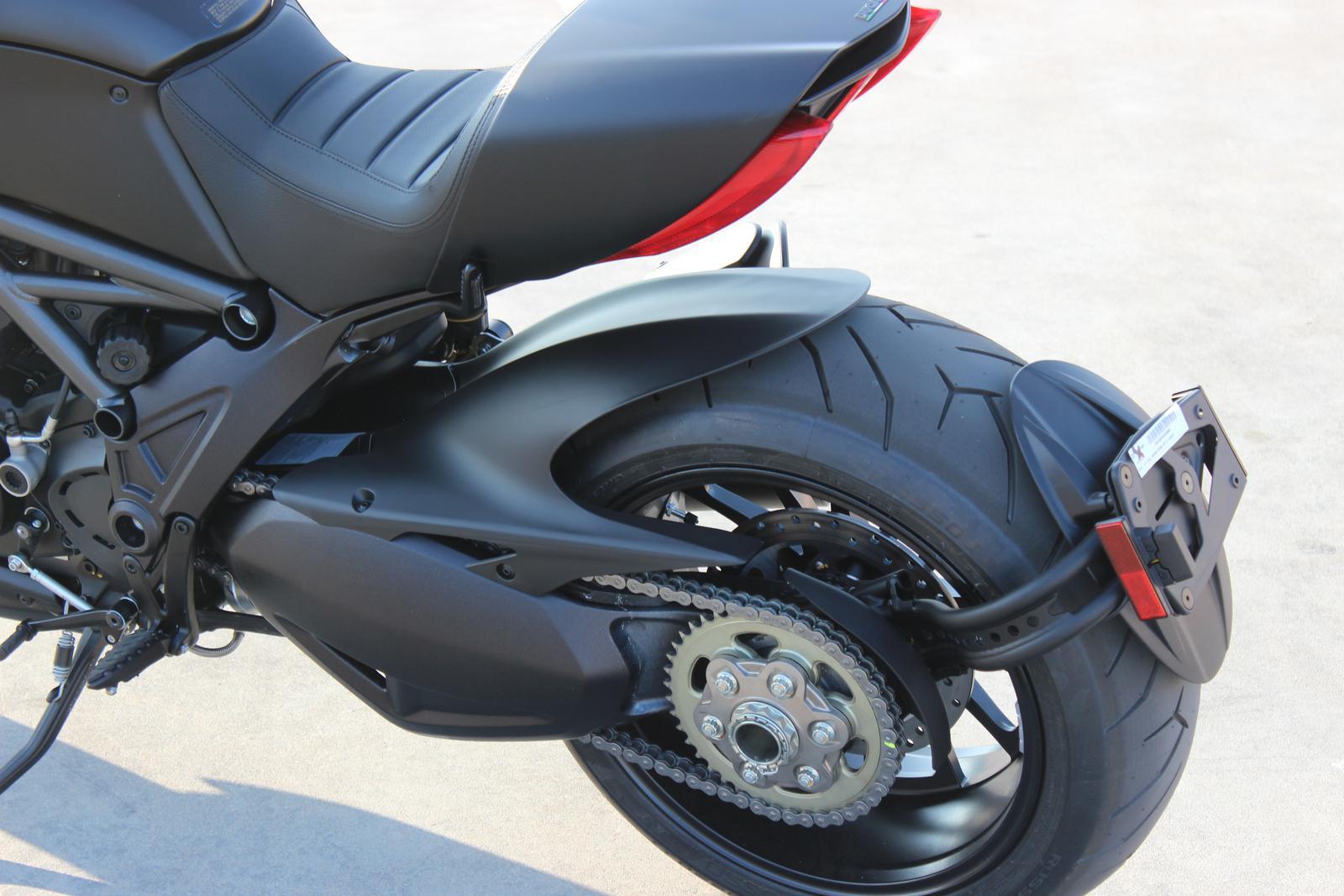 2018 Ducati Diavel 16