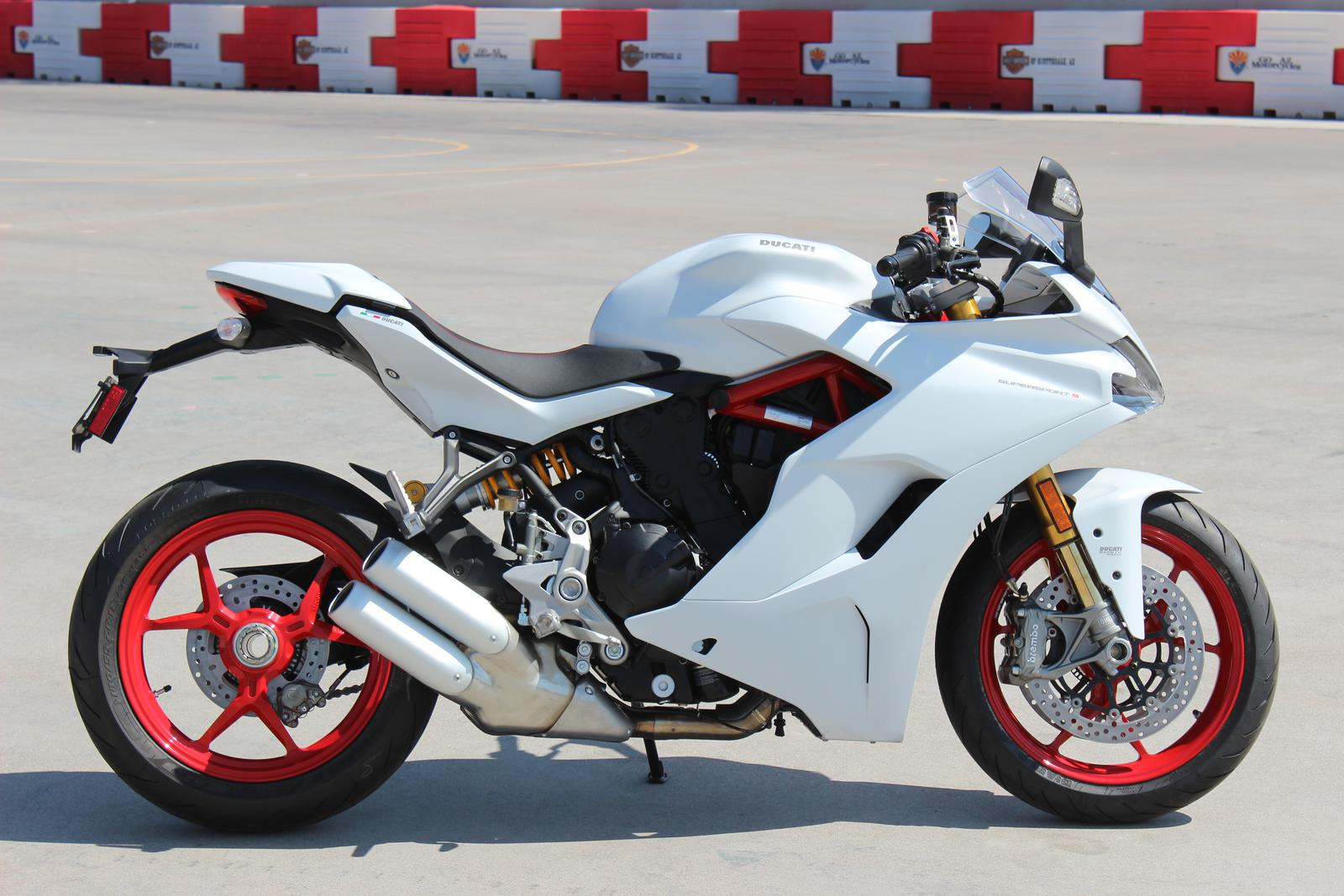Ducati Supersport S Star White Silk For Sale In Scottsdale Az Go Az Motorcycles In Scottsdale