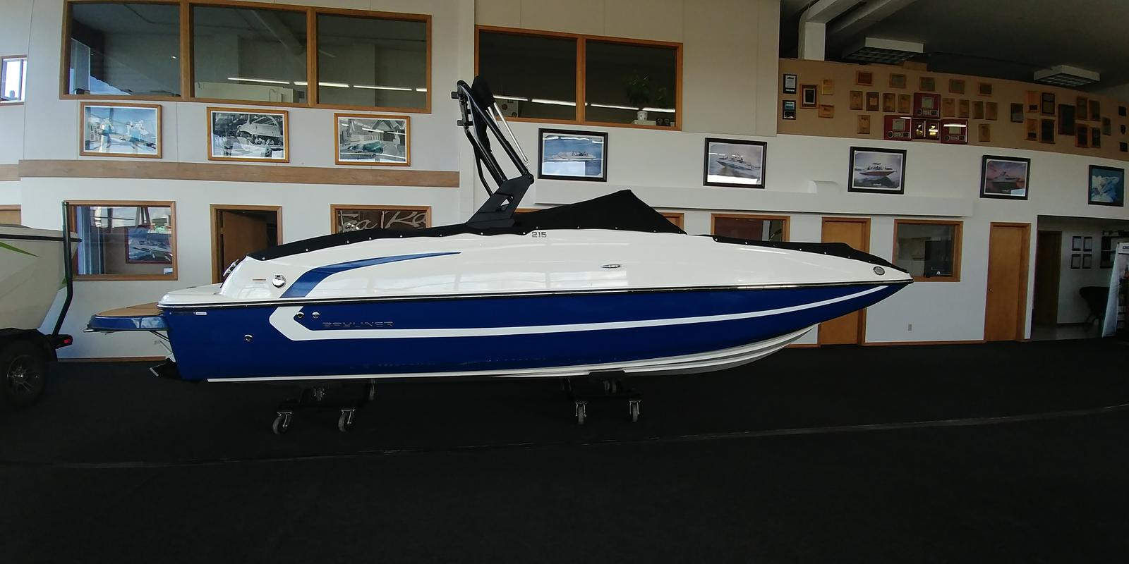 2018 BAYLINER 215 DECK BOAT for sale