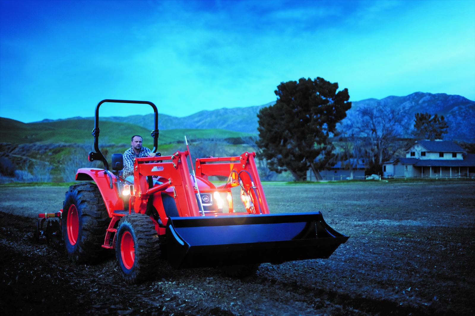 2019 KIOTI RX7320 Powershuttle 73HP Tractor Package Flex Wing Bush Hog  $5,000 Rebate!