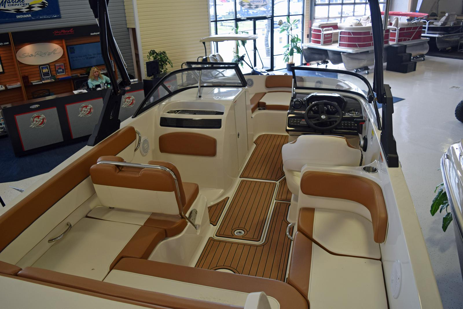 2019 Bayliner VR6 Bowrider for sale in Indianapolis, IN  Marine