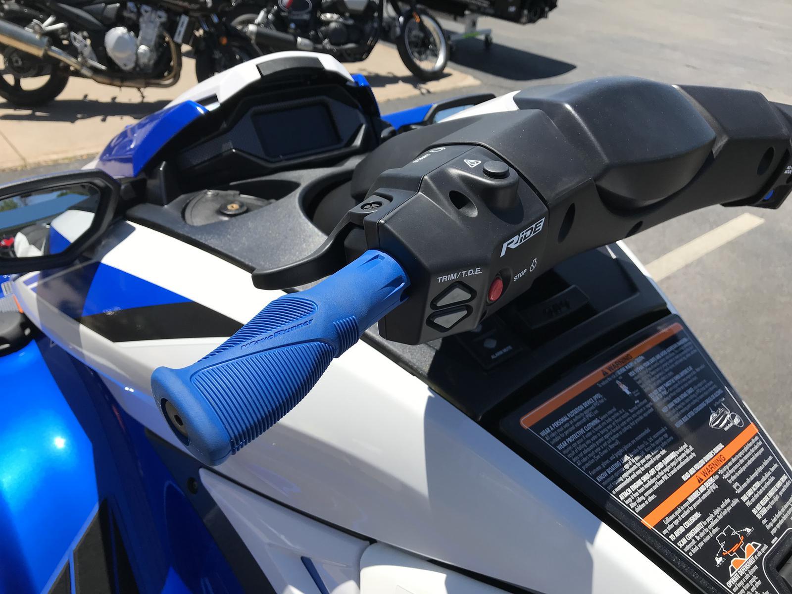 2019 Yamaha FX Cruiser SVHO (Azure Blue Metallic/Pure White)