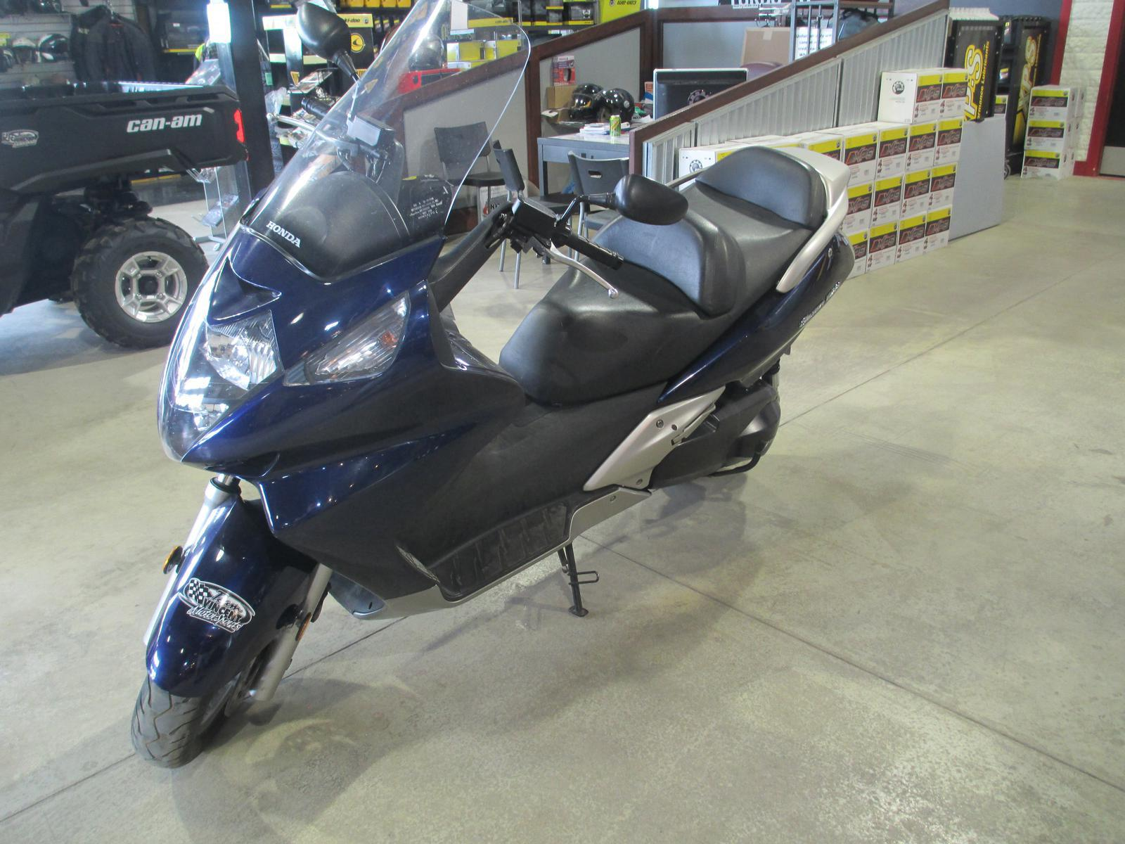 2006 Honda SILVERWING 600 | 2 of 4