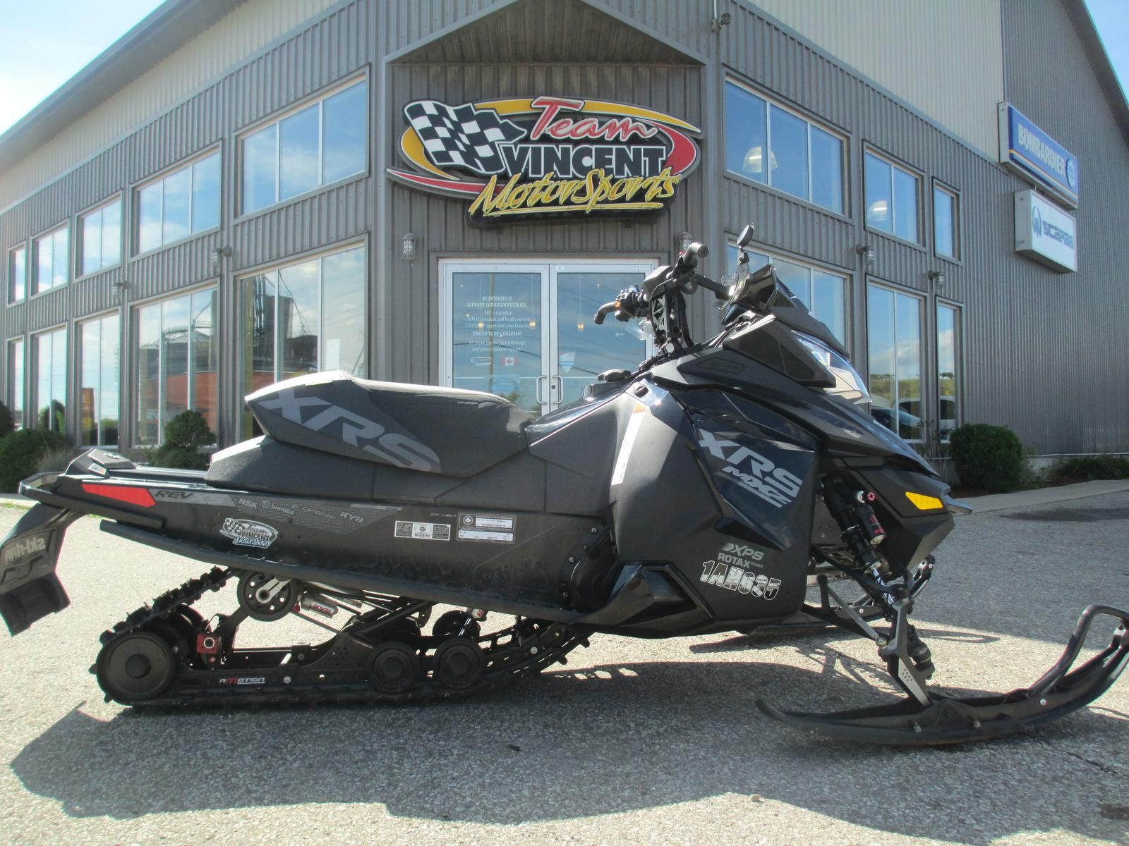 2015 Ski Doo MX Z X-RS 800 E-TEC | 1 of 4