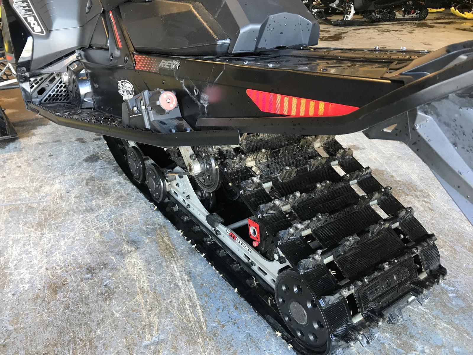 2017 Ski Doo MX Z X-PACKAGE 850 E-TEC w/ QAS   2 of 3