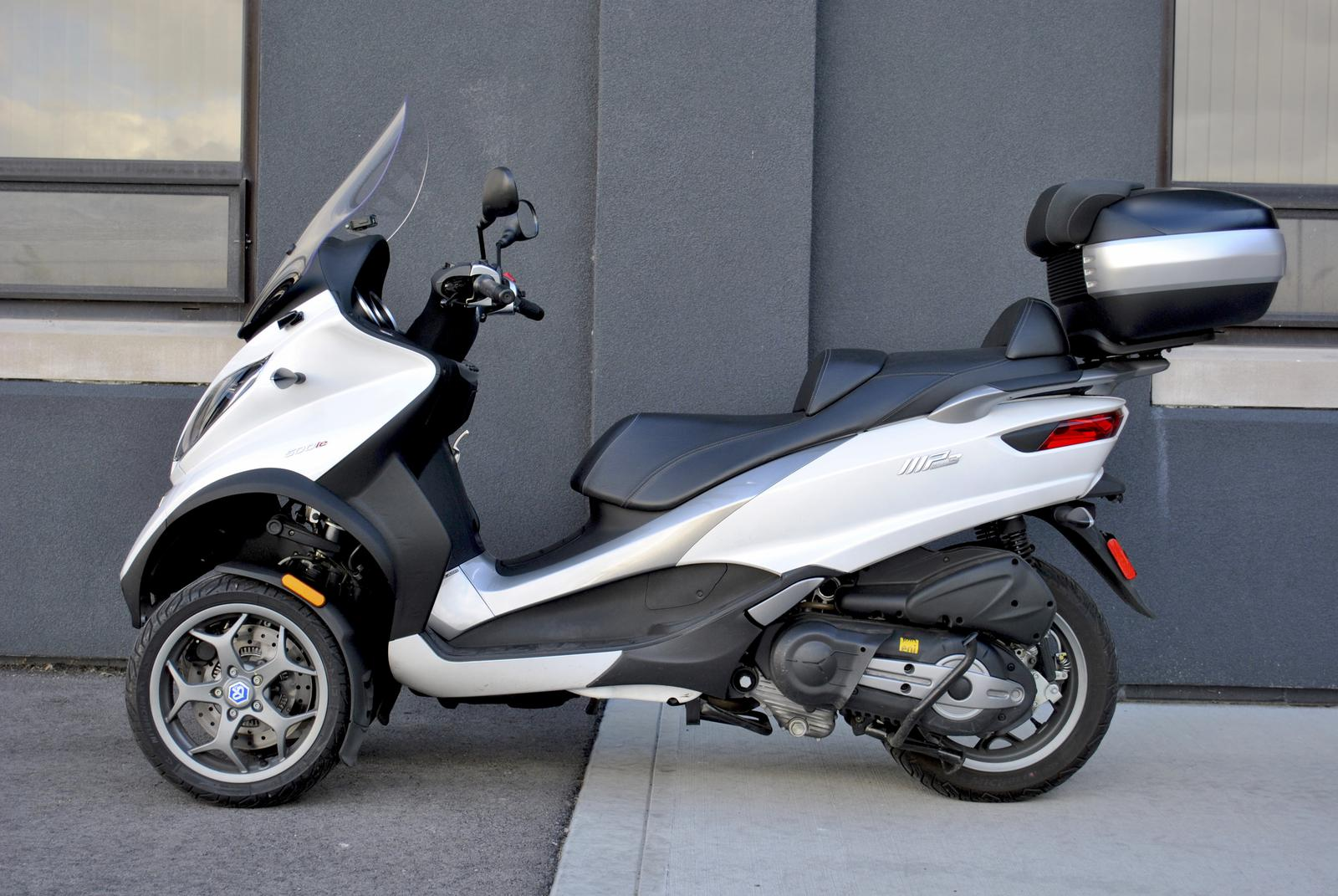 2017 Piaggio MP3 500 (Only 3,114 Miles) for sale in