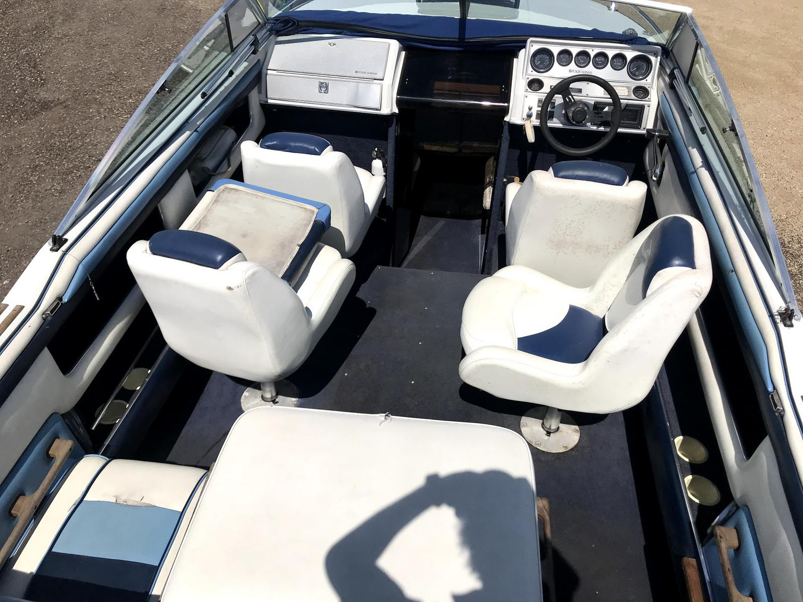 1988 Four Winns 205 SUNDOWNER CUDDY CABIN W/4 3 V6 for sale