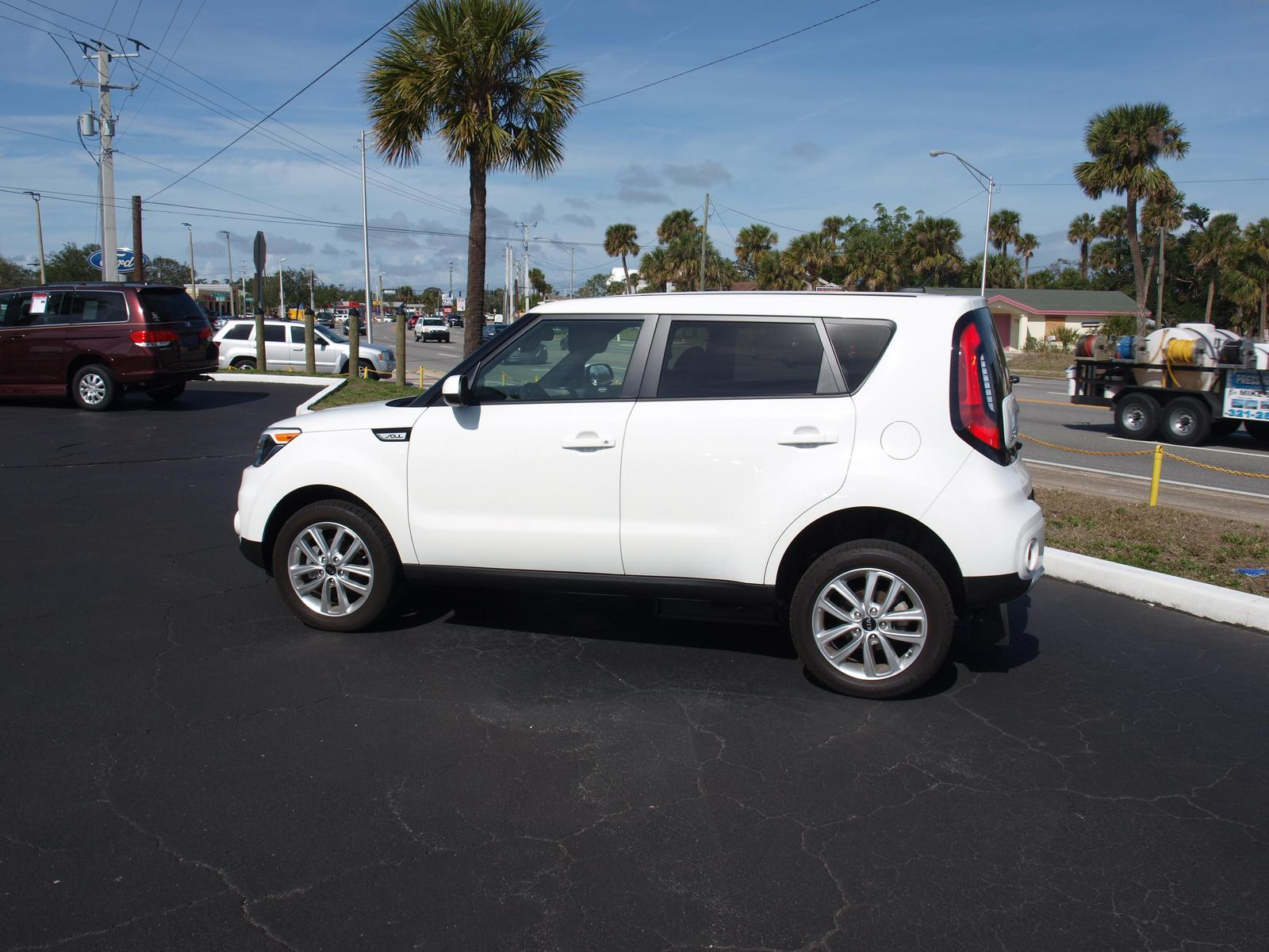 2017 Kia Soul With Manual Rear Entry Ramp System, Great On Gas And Easy To  Use Mobility Medical Equipment